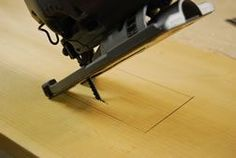 Use the Jigsaw for Curves and Special Cuts - Matt and Shari Woodworking Table Saw, Woodworking Jigsaw, Woodworking Shows, Router Woodworking, Woodworking Projects, Best Jigsaw, Good Grips, Wooden Boxes