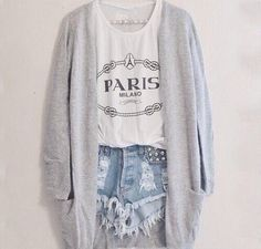 I love this outfit so much! It's the perfect outfit, it's comfortable and school appropriate!