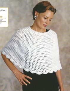 93aee4d41fef Crochet Pattern for a Town   Country Capelet Pantaloncini All uncinetto