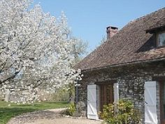 Stunning house with character is only 45 mm of Paris and mm of Giverny  Economical