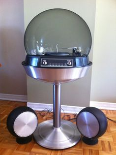Electrohome Bubble Stereo with Record Player, circa Space Age Awesome! Vintage Records, Vintage Music, Retro Vintage, Radios, Poste Radio, Vinyl Junkies, Record Players, Phonograph, Space Age