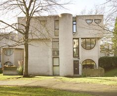 Apex Drive, Frimley (1966) by Laurence Abbott.  Image from My Great Building.