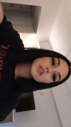Maggie Lindemann, Maquillaje Natural Tumblr, Eyebrows, Beauty Makeup, Hair Makeup, Eye Makeup, Selfie Poses, Insta Photo Ideas, Tumblr Outfits