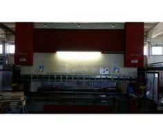 BYSTRONIC BEYELER 250/4000 USED 8-AXIS SYNCHRONISED CNC PRESS BRAKE | Machinebot.com
