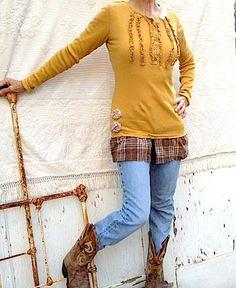 great idea to add old flannel shirt tails and some old lace to a long sleeved tee