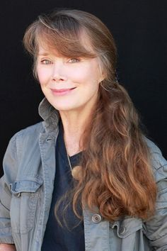 Sissy Spacek to Star in Netflix's Kyle Chandler Drama From 'Damages' Creators /// Love this image of her--as lovely as she is in real life, just adorable! Sissy Spacek, Mary Elizabeth, Fresca, Shirley Jones, Loretta Lynn, Star Wars, Ordinary Lives, Classic Beauty, Famous Faces