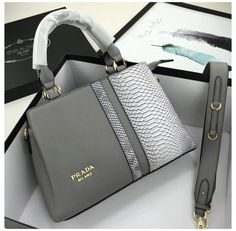 Welcome to Hnadbags . Here you will discover luxury bags, pretty handbags, funky Here you will uncover luxury totes, Here you will find luxury purses designer, Here you will uncover luxury totes. Unique Handbags, Fall Handbags, Popular Handbags, Trendy Handbags, Cute Handbags, Prada Handbags, Prada Bag, Fashion Handbags, Purses And Handbags