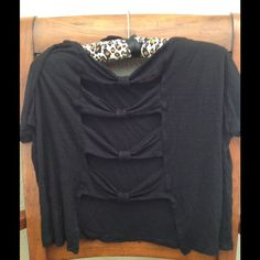 Bow back crop top Super cute crop top with bows in the back. No trades or PayPal Tops Crop Tops