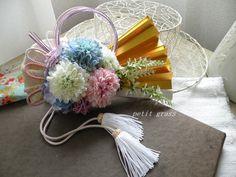 扇子ブーケ・和のブーケ・金扇子の上品な和装ブーケ色打掛・新和装・内掛け和装ドレスに!! Japanese Wedding, Flower Art, Floral Wedding, Bouquet, Bridal, Flowers, Painting, Art Floral, Bouquet Of Flowers