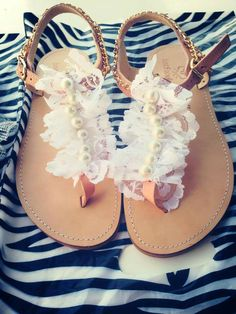 Real leather sandal with pearl and lace!