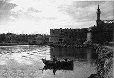 Rocca a Mare, ο Κούλες, μια ιστορία 500 χρόνων... Heraklion Crete, Crete Island, Crete Greece, Old Maps, Tower Bridge, Vintage Photos, The Past, Greek, Europe