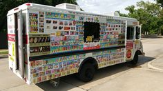 DALLAS FORT WORTH IDEAS FOR A FOOD TRUCK WEDDING. ICE CREAM TRUCK FOR WEDDING GUESTS DALLAS FORT WORTH. FUN WAYS TO SERVE FAST FOOD AT YOUR DFW WEDDING. DALLAS FORT WORTH WEDDING RECEPTION ICE CREAM FOOD TRUCK