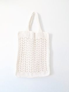 Arrowhead Tote Pattern by Two of Wands // Knitting Pattern for Lace Knit Beach Tote Bag Large Boho Purse Lace Knitting, Knitting Patterns, Geometric Arrow, Tote Pattern, Beach Tote Bags, Large Bags, Knitting Projects, Purses, Diy Bags
