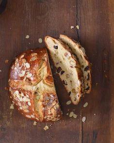 Špaldový kvasový mazanec – Maškrtnica Easter 2020, Desert Recipes, Raw Vegan, Baked Potato, Sweet Recipes, Food And Drink, Gluten Free, Tasty, Sweets