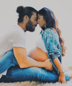 Turkish Men, Turkish Actors, Beautiful Romantic Pictures, Beautiful Series, Love Kiss, Relationship Goals Pictures, Early Bird, Love Can, Belle Photo