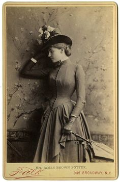 Beautifully styled, great pose. x HCora Urquart Brown-Potter, American stage actress - c. 1880s SyTyCs.