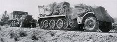 Remorquage du Tiger n°813 du s.Pz.-Abt. 501 en Tunisie. Au premier plan, un Sd.Kfz. 9/1 FAMO mit 6t Bilstein Kran.