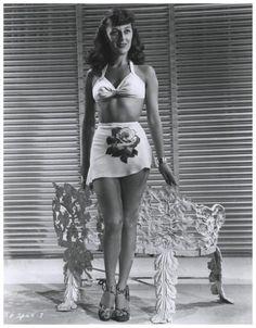 Ann DVORAK '30-40 (2 Août 1911 - 10 Décembre 1979) Old Hollywood Actresses, Old Hollywood Glam, Golden Age Of Hollywood, Hollywood Stars, Classic Hollywood, Actors & Actresses, Stars D'hollywood, Cinema, Famous Women