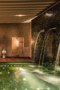 The five-treatment-room Givenchy spa features intricate mashrabiya latticework.