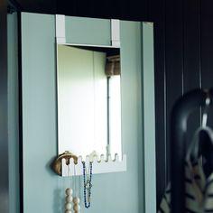 Reflexo de uma arrumação com estilo. #espelhos #decoração #IKEAPortugal