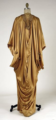 House of Weeks, Gold Silk Evening Wrap, French, 1913-1914. (Back View)