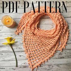 Crochet Triangle Scarf Pattern / Spring Scarf Tutorial /