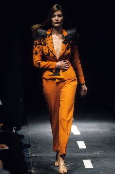 Alexander McQueen Spring 1995 Ready-to-Wear Fashion Show - Plum Sykes