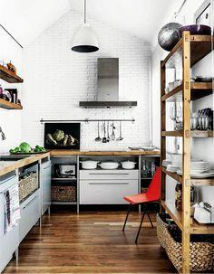 20 Beautiful Kitchens With Butcher Block Countertops — Kitchen Gallery Kitchen Interior, New Kitchen, Kitchen Decor, Loft Kitchen, Kitchen White, Kitchen Ideas, Minimal Kitchen, Kitchen Wood, Kitchen Industrial