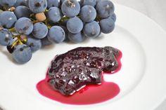 Das Rezept Weintraubenmarmelade ist sehr zu empfehlen. Bestens für die Vorratskammer geeignet, damit man noch lange davon essen kann.