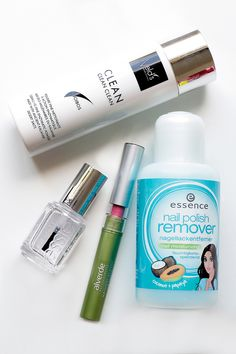 Veld's (cleanser), essence (polish remover), Essie (nail polish), Alverde (lipstick). For the whole review visit http://www.miss-annie.de/?p=410