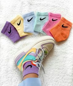 Dyed nike socks ☁️💕🍼🤘🏽 1 pair = 2 pairs = 3 pairs = Size M in stock ! Sneakers Mode, Sneakers Fashion, Shoes Sneakers, Nike Outfits, Trendy Outfits, Sneaker Outfits, Adidas Outfit, School Outfits, Nike Shoes Air Force