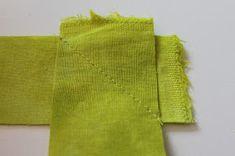 Jana Dohnalová: Jak lemovat - návod Napkins, Sweaters, Fashion, Scrappy Quilts, Moda, Towels, Fashion Styles, Dinner Napkins, Sweater
