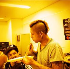 Kenji eats the lunch which Saku cooked!!!