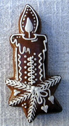 Today we are looking at Moravian and Bohemian gingerbread designs from the Czech Republic. Back home, gingerbread is eaten year round and beautifully decorated cookies are given on all occasions. White Christmas Ornaments, Christmas Sugar Cookies, Christmas Desserts, Christmas Treats, Christmas Baking, Christmas Fun, Italian Christmas, Gingerbread Decorations, Christmas Gingerbread