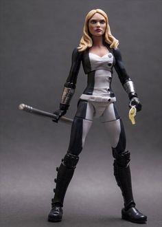 Custom Marvel Legends Mockingbird figure by kojikoji. Awesome job on the repaint! I like how they removed her glasses. :)