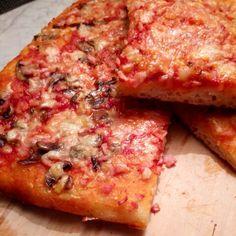Pizza con lievito madre funghi e cotto