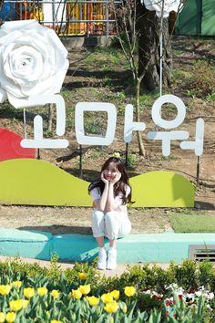 [김소현] ★단독공개★ 소현배우와 함께 나들이 가실래요? : 네이버 포스트 Drama Korea, Korean Drama, Lets Fight Ghost, Kim So Hyun Fashion, Kim Sohyun, Child Actresses, Korean Actors, Korean Girl, Make Me Smile