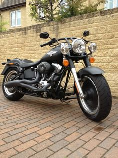 Harley Davidson FLSTFB, Fatboy Special 1584 - this here is the exact bike that in want! Harley Davidson Custom, Harley Davidson Road King, Harley Davidson Pictures, Motos Harley Davidson, Classic Harley Davidson, Harley Fatboy, Hd Motorcycles, Motor Scooters, Hot Bikes