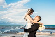 Destination wedding Tulum and Riviera Maya photography Sunset wedding photo session after the ceremony Preview wedding L and G Hacienda Chekul in Sian Ka'an Photo by Alessandro Banchelli www.…