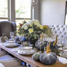 As we move into the fall season, it is time to begin the transition from summer decor to fall. The colors and textures of fall are fantastic!