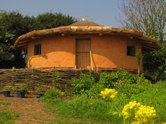 House of Straw in Cornwall (a Roundhouse for 4 people)