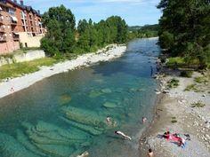 una de las piscinas naturales más espectaculares de Aragón National Parks, Spain, Ocean, Camping, River, Outdoor Decor, Landscapes, Blue, Natural Swimming Pools