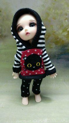 http://www.ebay.de/itm/BJD-Lati-Yellow-PukiFee-Doll-2-tlg-Black-cat/201751865163?_trksid=p2045573.c100033.m2042