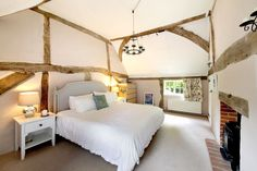 16th century period cottage for sale in Hampshire Recycled Fabric, Recycled Glass, English Cottage Interiors, Glass Cakes, 16th Century, Hampshire, Duvet Covers, Period, Furniture