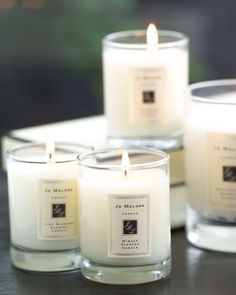Jo Malone London Grapefruit Home Candle, 7 oz. DetailsInstantly awakening the senses, Grapefruit is a lively, uplifting citrus with a spicy heart. Grapefruit and tangerine are combined with vetiver an