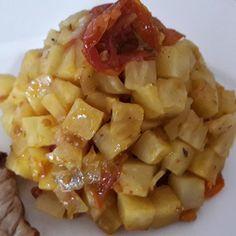 Brunoise de #celeri rave et tomates confîtes au #Colombo Risotto, Celerie Rave, Macaroni And Cheese, Veggies, Fruit, Ethnic Recipes, Food, Side Dishes, Eten