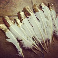Decoración plumas doradas #DIY #gold
