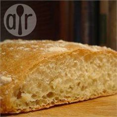 Ciabatta Bread Recipe Recipe : This is a bread machine version of the Italian classic which still bakes in your oven. This bread has the crisp crust and coarse crumb one expects from ciabatta. Baking Flour, Bread Baking, Cooking Bread, Quick Bread, How To Make Bread, Ciabatta Bread Recipe, Rustic Italian Bread, Bread Maker Recipes, Casserole Recipes
