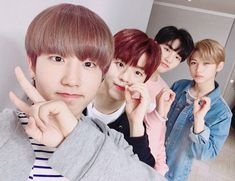 """Felix pics❁ on Twitter: """"They're so handsome #Felix #필릭스 #StrayKids #스트레이키즈… """" 2000 liners"""