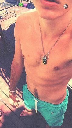 Que buen cuerpo tienen GEMELIERS Hot Guys, Crushes, Celebrities, Fashion, Oviedo, Cute Boys, Girls, Nice Body, Photos Tumblr